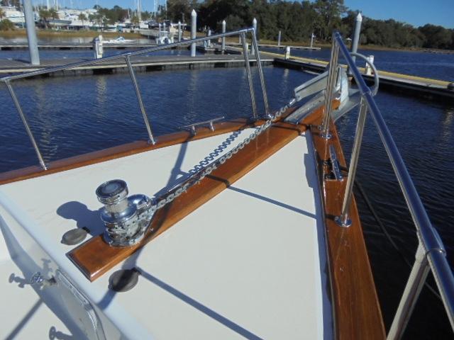 Custom 36 Yukon Trawler - Maxwell Windlass