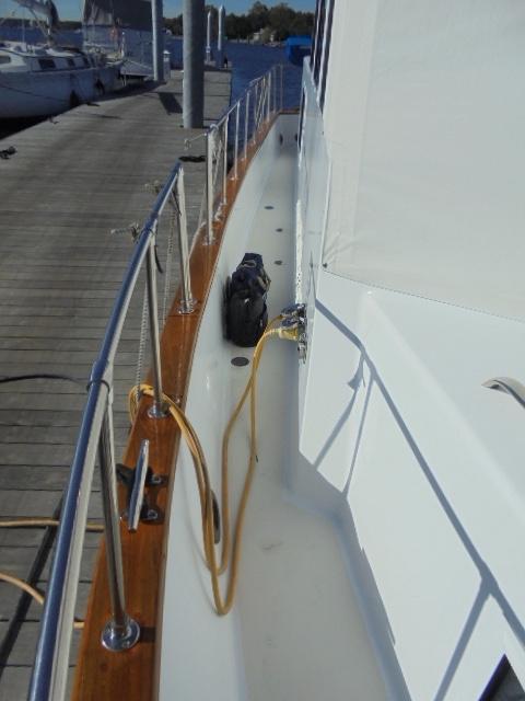 Custom 36 Yukon Trawler - Sidewalk Port Side