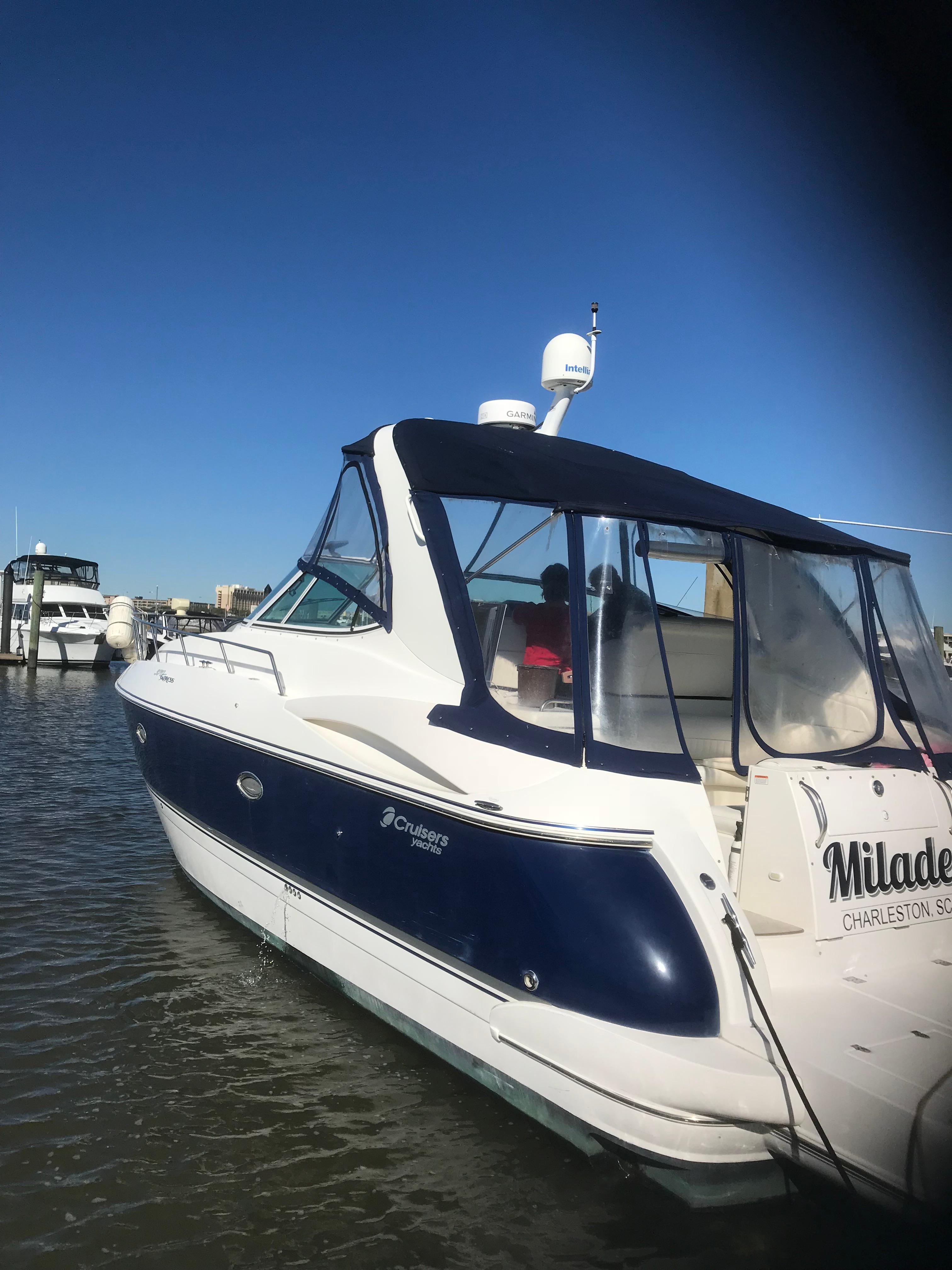 Cruisers Yachts 370 Express - Photo: #41