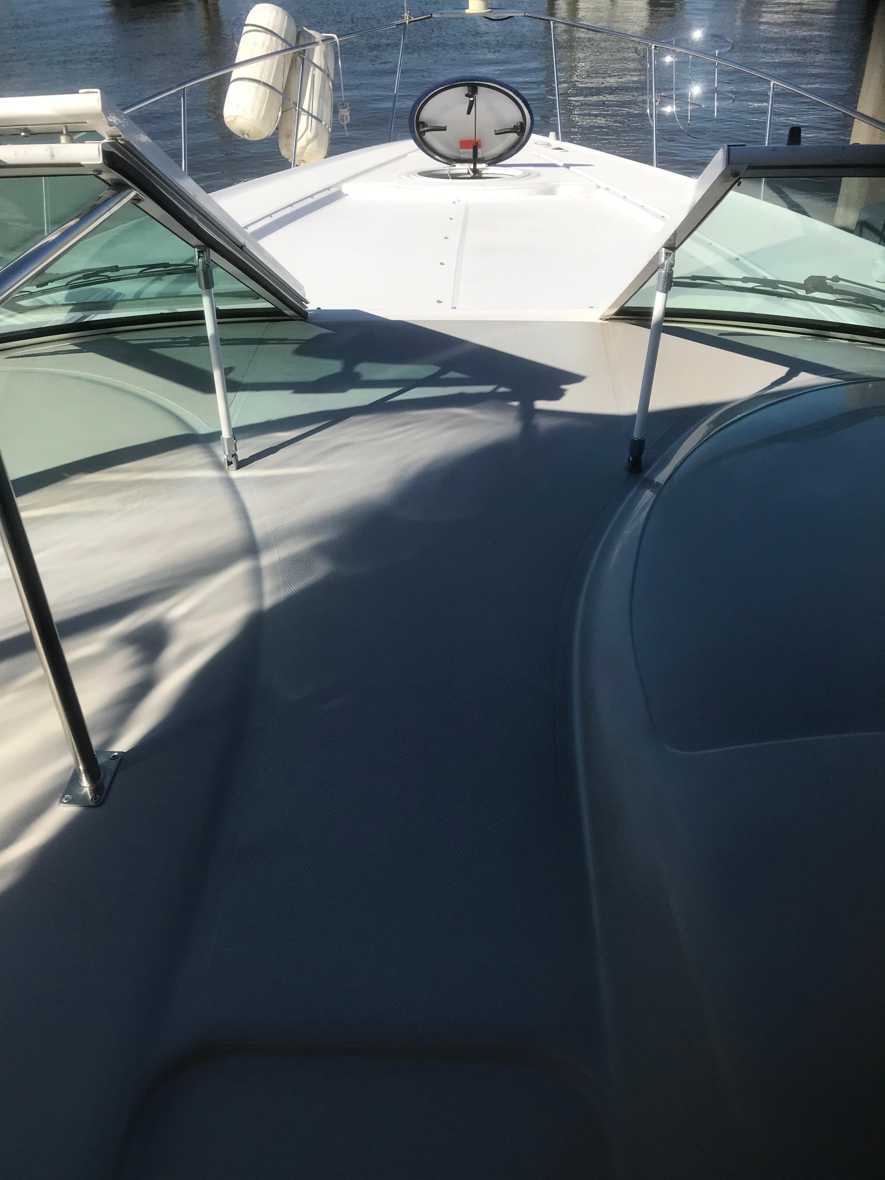 Cruisers Yachts 370 Express - Photo: #55
