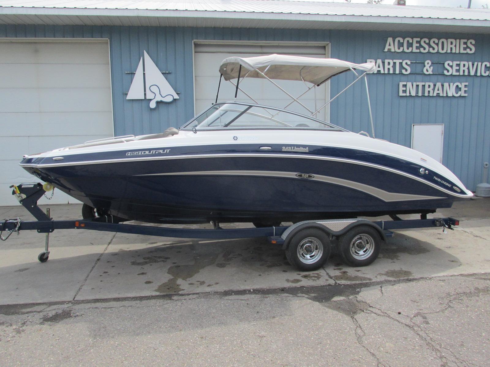 Yamaha Boats242 Limited