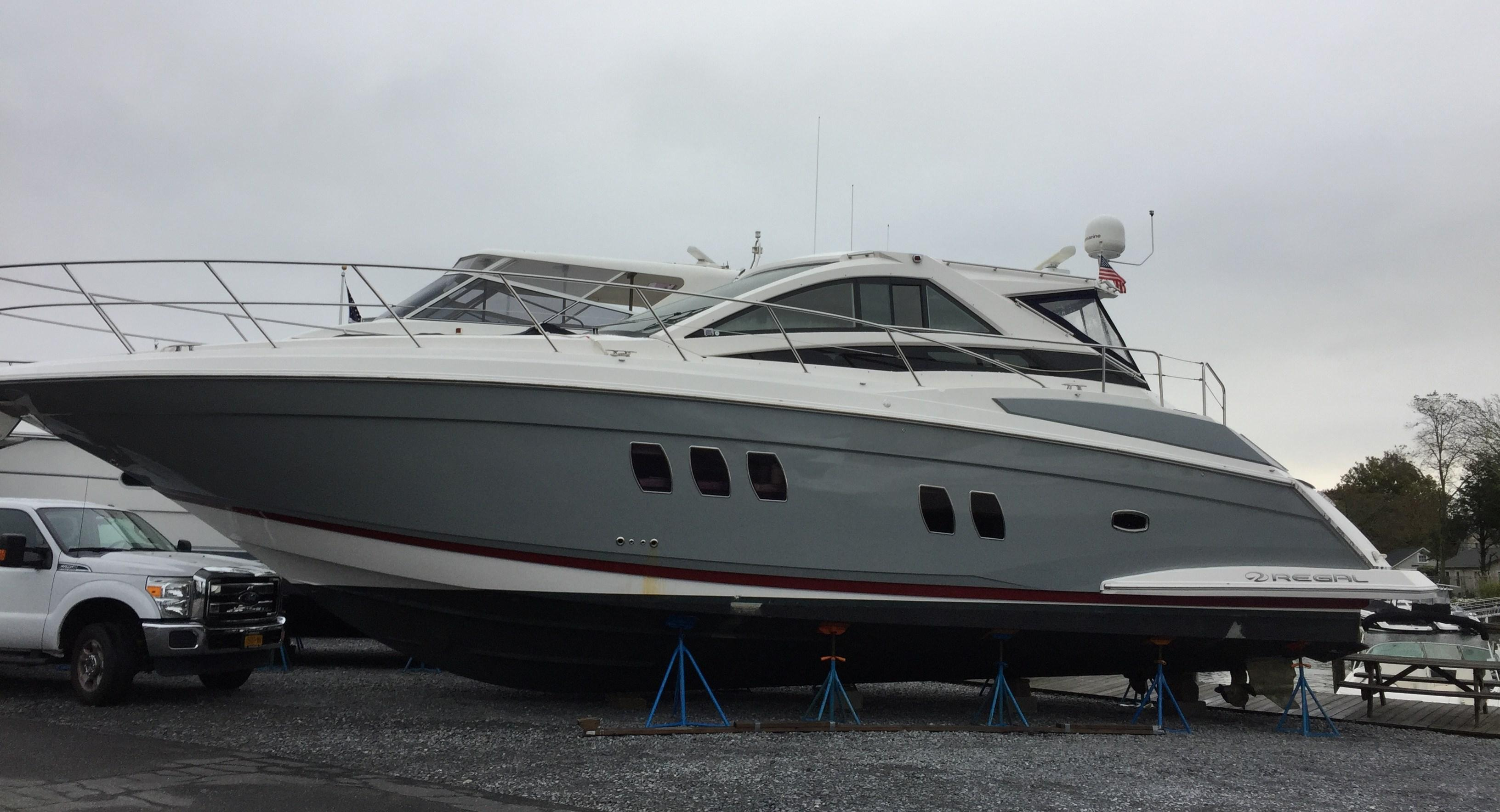 53 ft Regal Commodore 5260