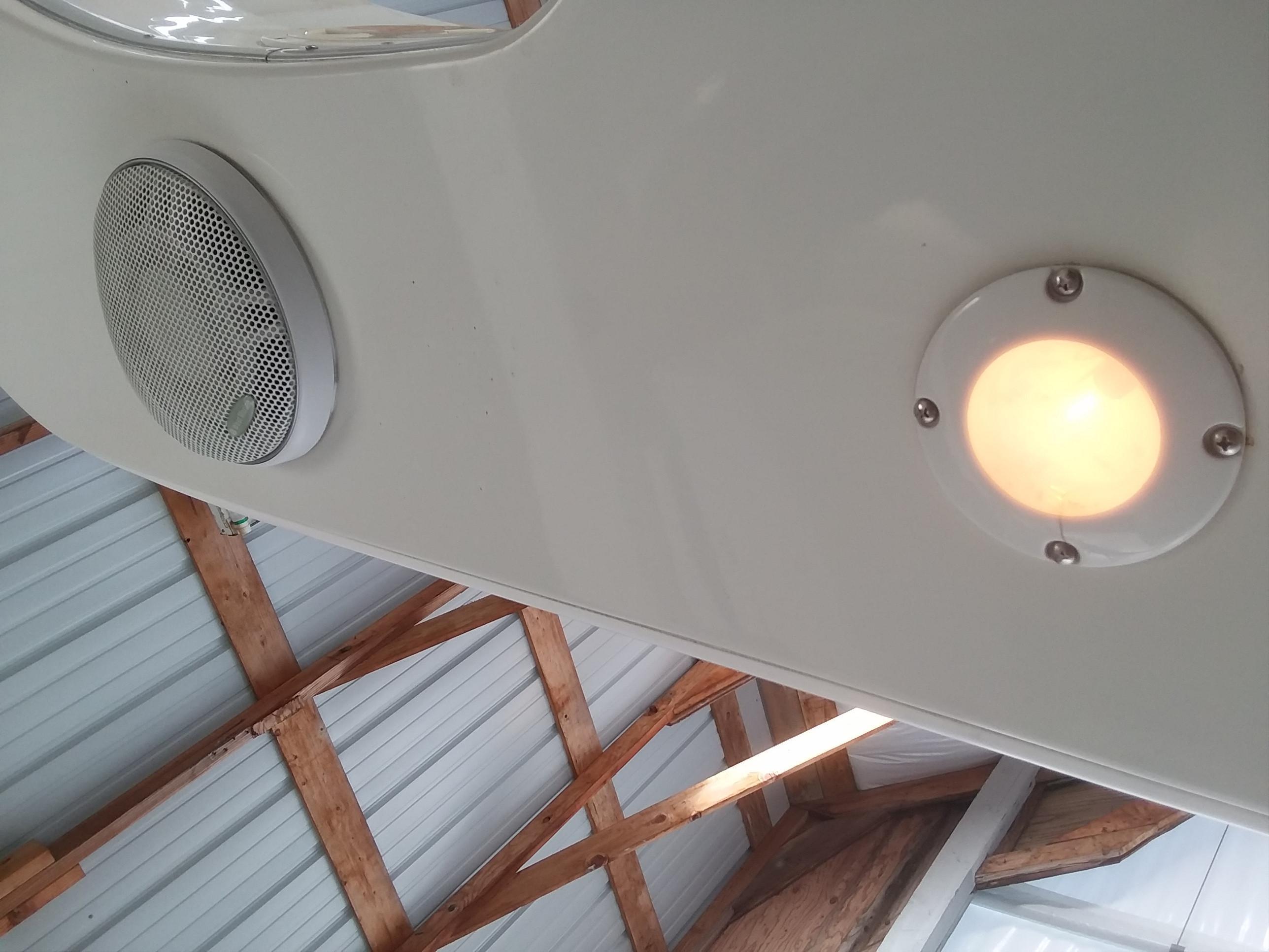 Lights & speakers