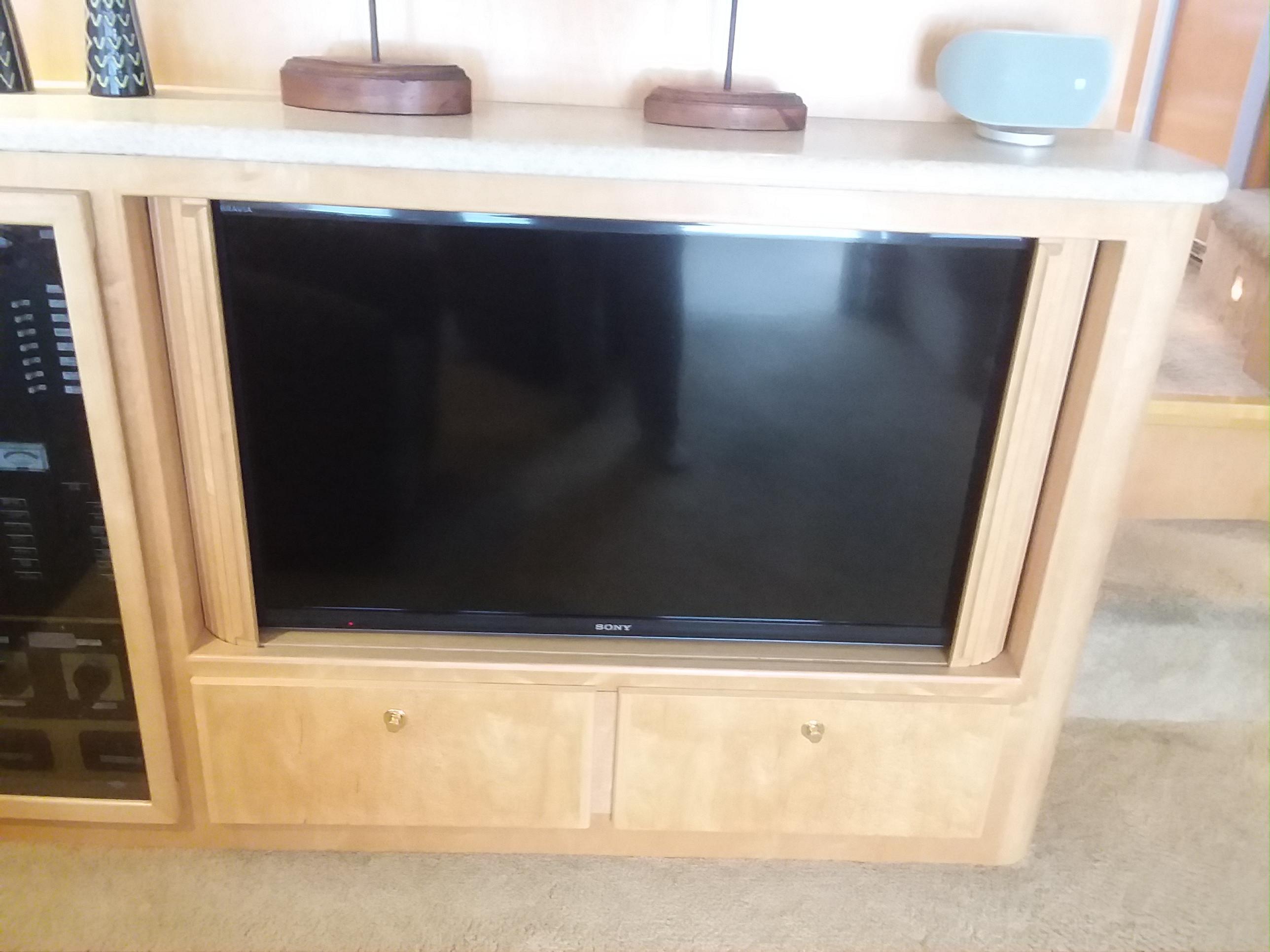 Saloon TV