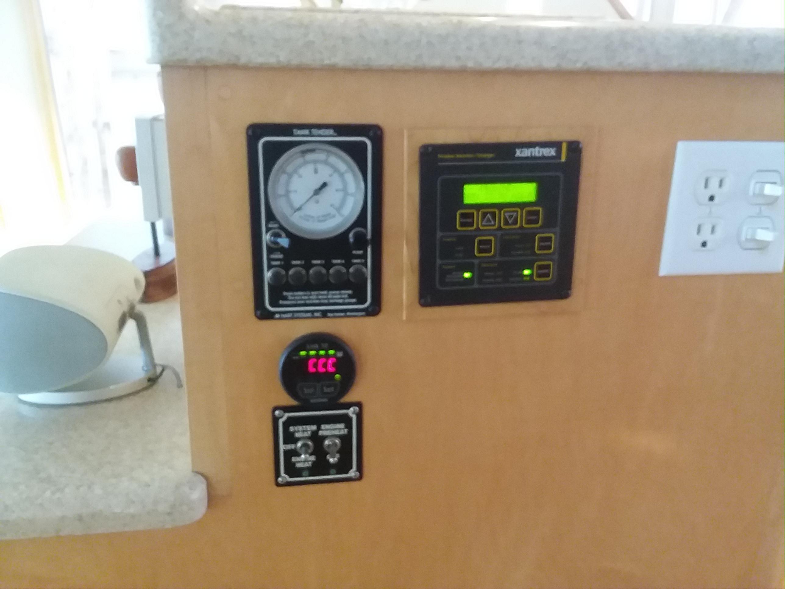 Tank Tender & Battery Monitor