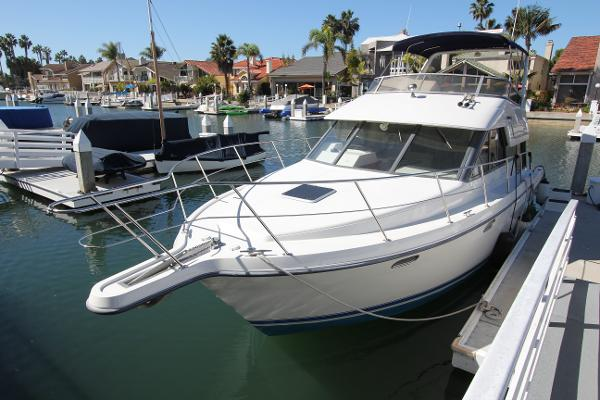 Carver 370 Voyager For Sale