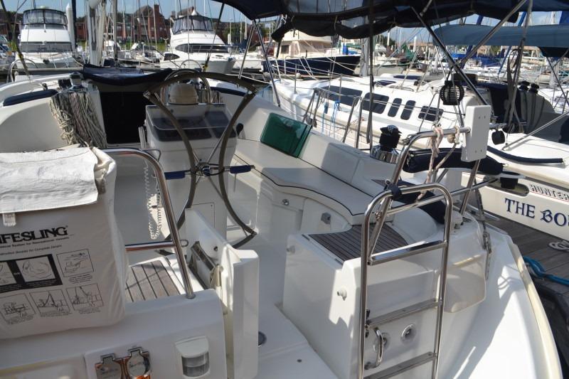 2006 Beneteau 423 – Little Yacht Sales