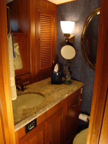Owners ensuite head II
