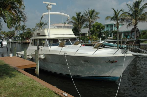 Viking Yachts 40' Sportfisherman Convertible Boats