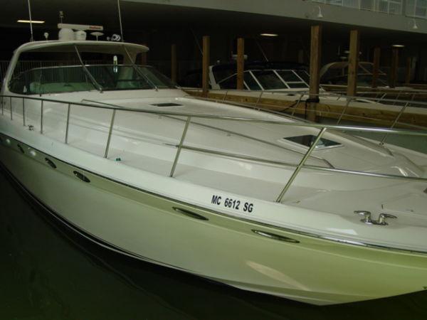 Sea Ray 540 Sundancer Mega Yachts. Listing Number: M-3505031