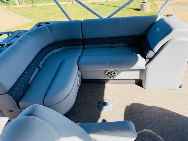 2021 Ranger Boats boat for sale, model of the boat is Reata 223FC & Image # 26 of 41