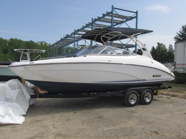 2019 Yamaha boat for sale, model of the boat is 242 Limited S E-Series & Image # 1 of 40