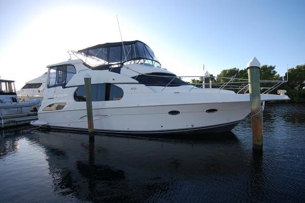 47' Silverton 43 Motor Yacht