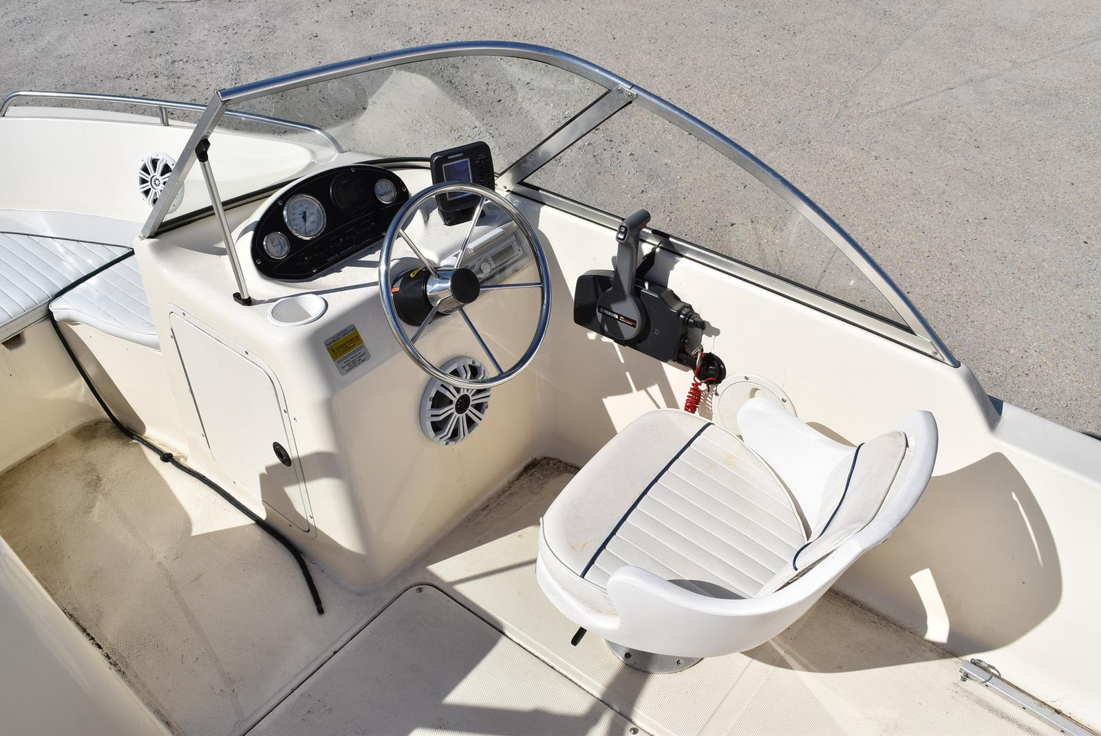 2003 Sea Hunt boat for sale, model of the boat is Escape 175 & Image # 12 of 16