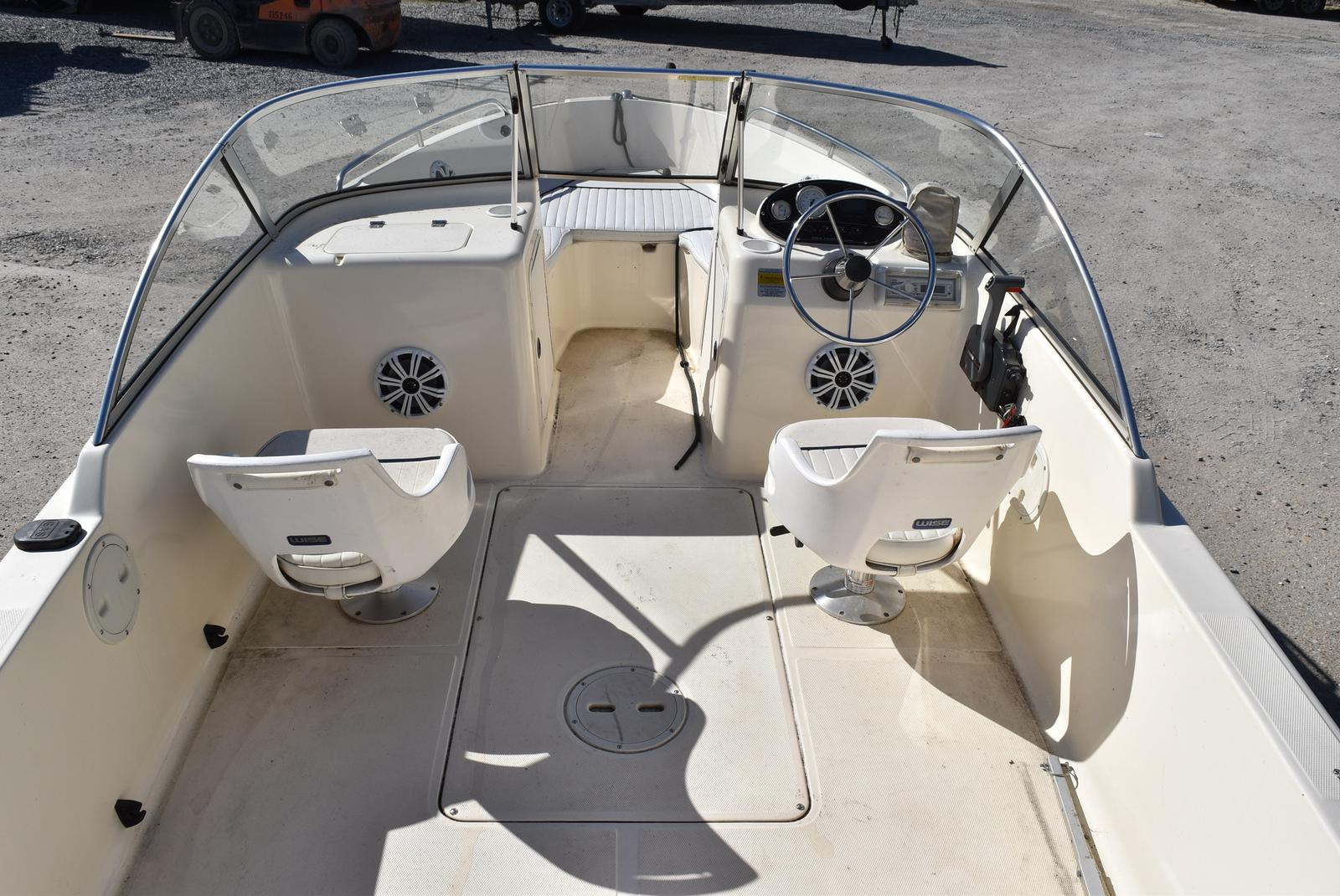 2003 Sea Hunt boat for sale, model of the boat is Escape 175 & Image # 4 of 16