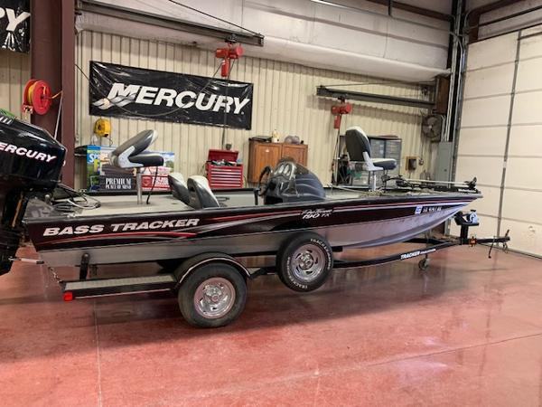 2006 Tracker Boats boat for sale, model of the boat is Pro Team 190 TX & Image # 1 of 10