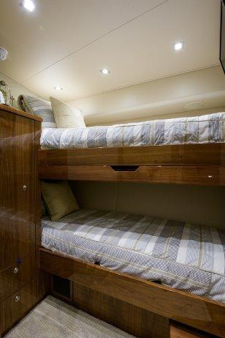 Starboard Guest Stateroom, Forward