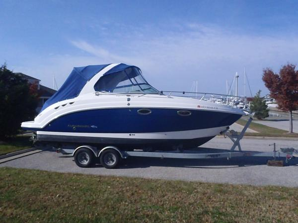 Chaparral 250 Signature- Gen, Loaded, Perfect Shape Express Cruiser