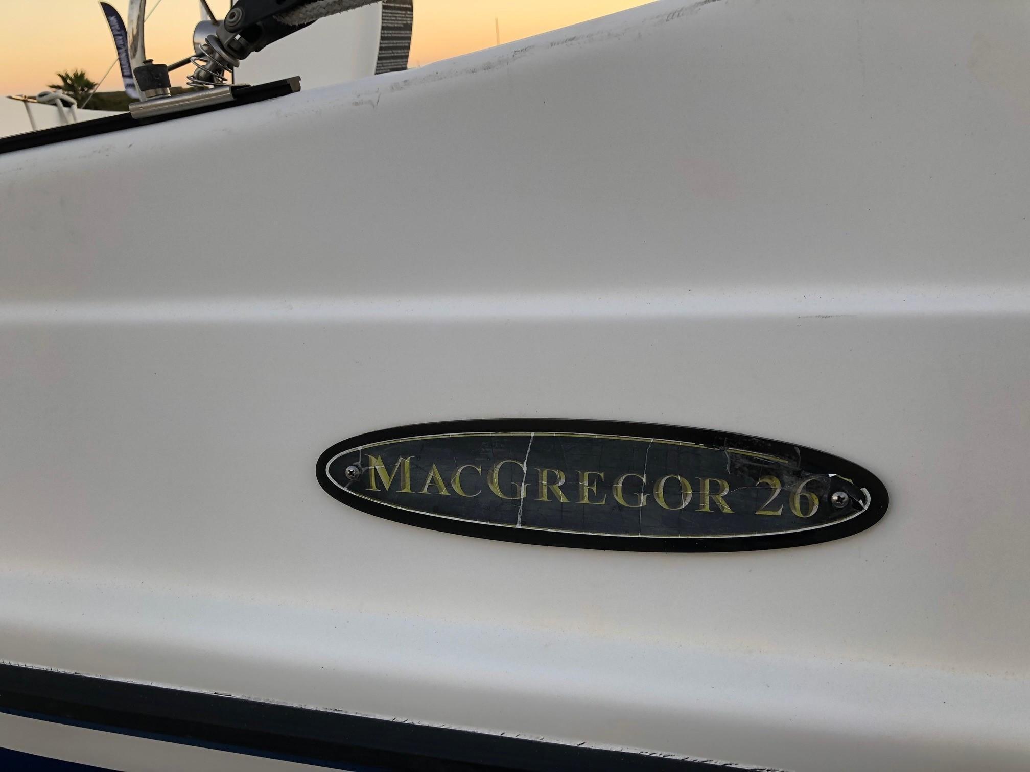 26' MacGregor 2012