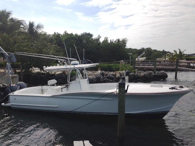 2005 Gillikin Custom 32 Center Console