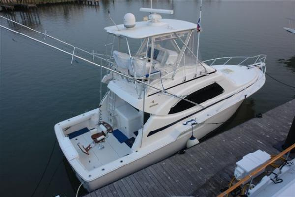 Bertram 390 Convertible Sports Fishing Boats. Listing Number: M-3545141