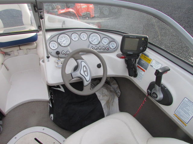 2007 Tahoe boat for sale, model of the boat is Tahoe Q4 & Image # 2 of 13