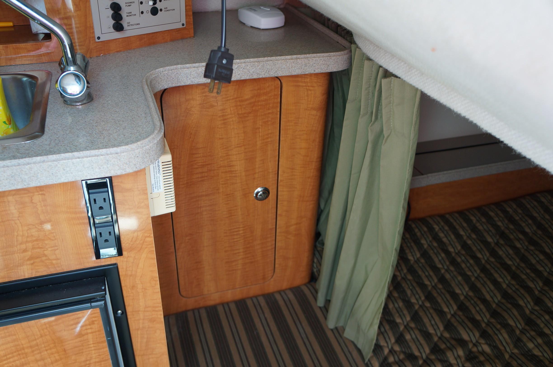 Mid Cabin Locker