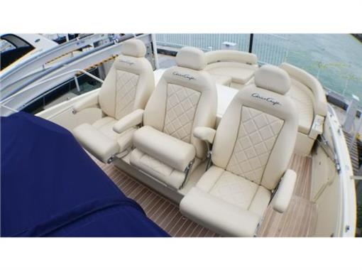 2015 Chris Craft 36' - Helm Chairs