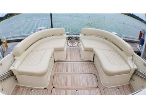 2015 Chris Craft 36' - Cockpit