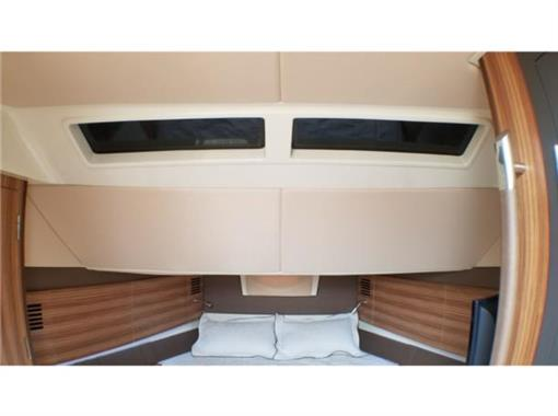 2015 Chris Craft 36' - Master Cabin