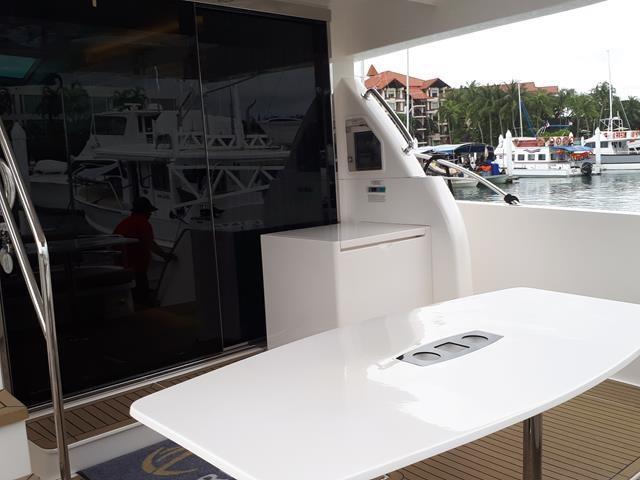 Horizon E56 Aft Deck