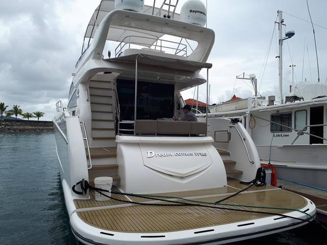 Horizon E56 Aft Profile