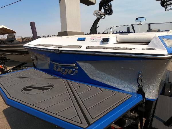 2016 Tige boat for sale, model of the boat is RZ2 & Image # 12 of 17