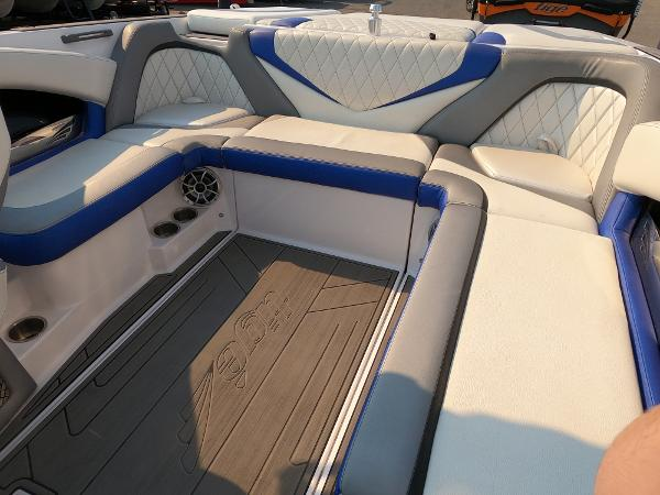 2016 Tige boat for sale, model of the boat is RZ2 & Image # 9 of 17