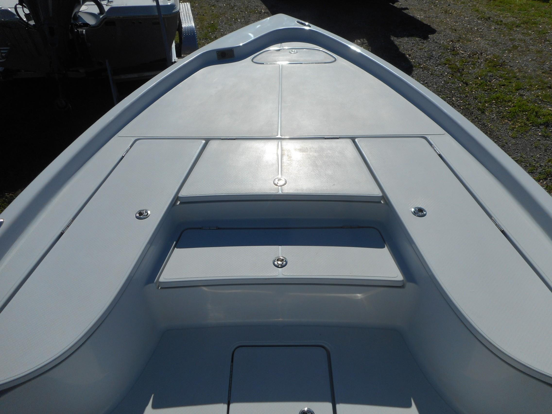 New  2020 24' Blue Wave 2400 PURE BAY Bay Boat in Slidell, Louisiana