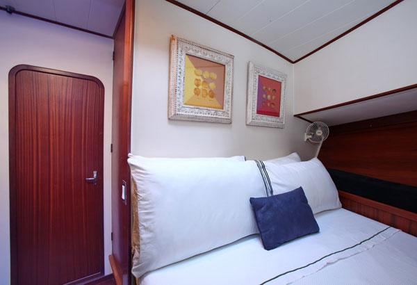 Trawler 15 M Cabin With Bunk Beds