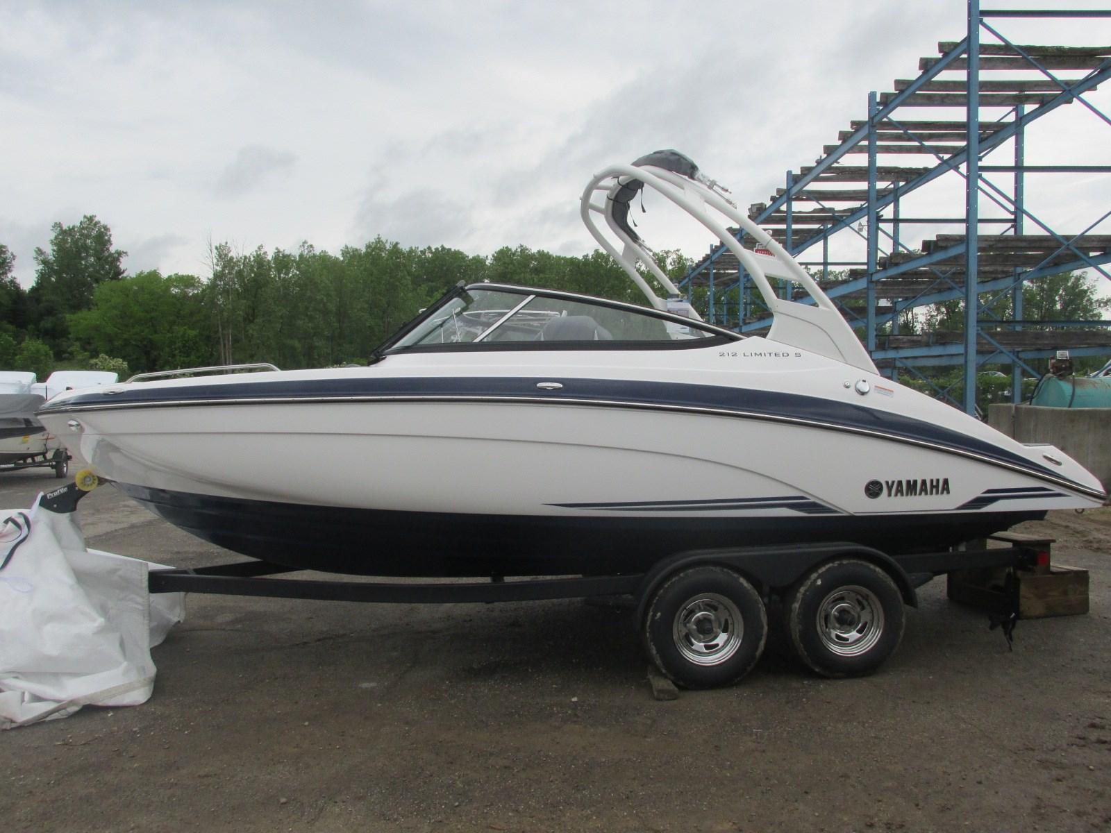 Yamaha Boats212 Limited S