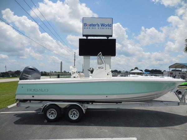 2018 ROBALO BOATS 226 CAYMAN for sale