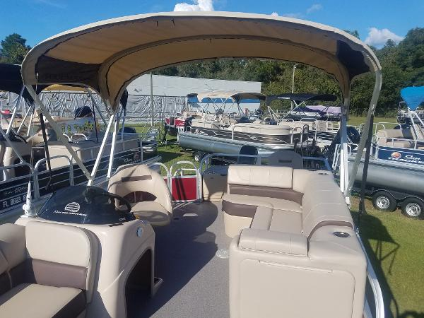 2018 Sun Tracker boat for sale, model of the boat is Fishin' Barge 20 DLX & Image # 9 of 13