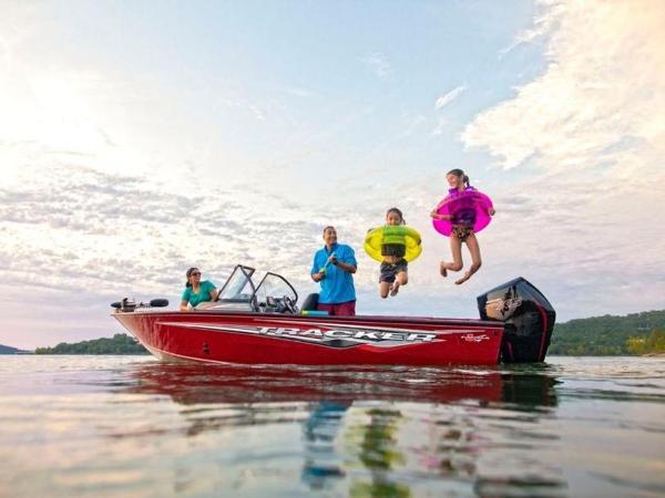 2020 Tracker Boats boat for sale, model of the boat is Targa™ V-19 Combo & Image # 1 of 8
