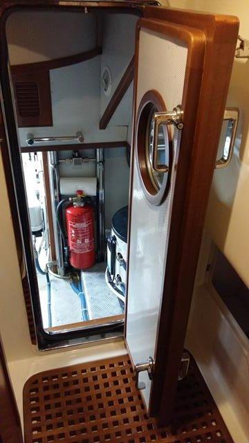 Seleen 40 Engine Room Door