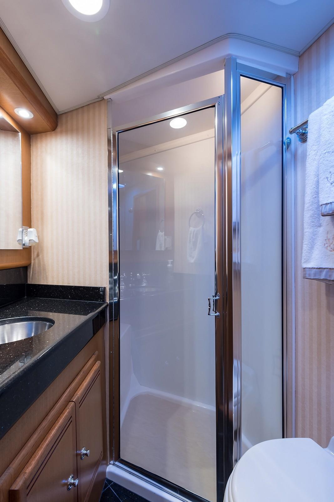 52 Cabo Master Stateroom Head