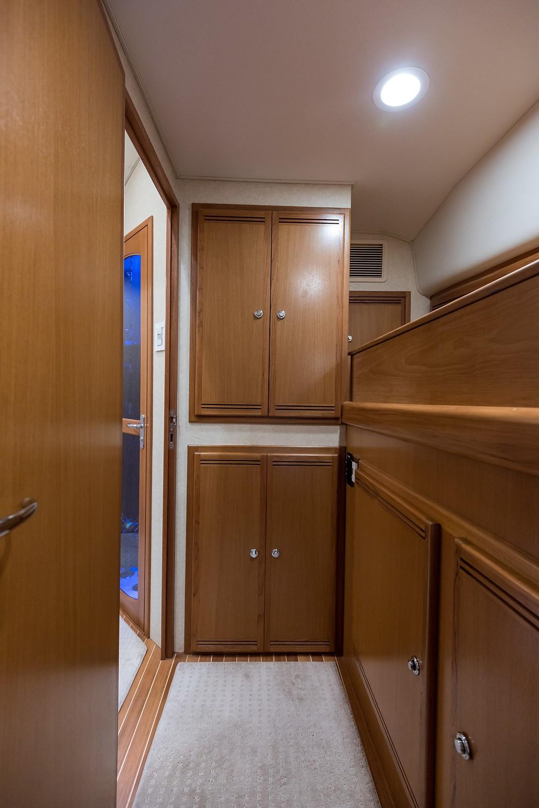 52 Cabo Starboard Guest Stateroom