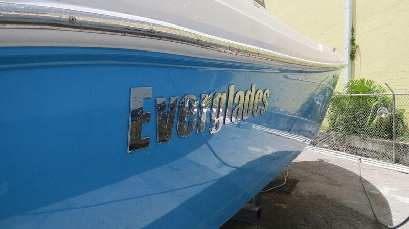 2012 Everglades 295 Center Console