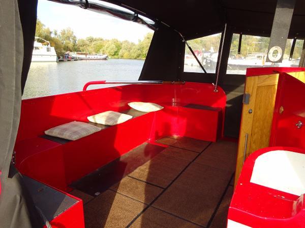Collingwood Wide Beam Barge - Cockpit