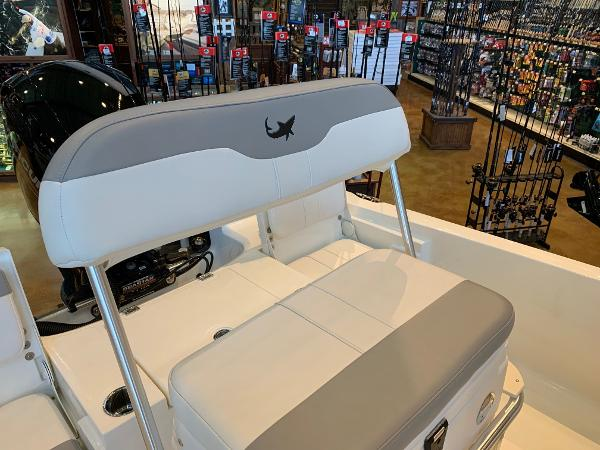 2020 Mako boat for sale, model of the boat is 19 CPX & Image # 6 of 16