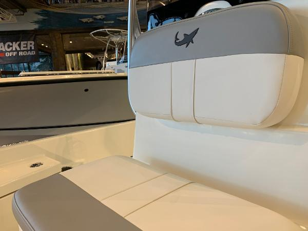 2020 Mako boat for sale, model of the boat is 19 CPX & Image # 11 of 16