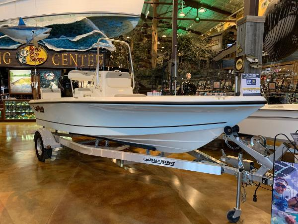 2020 Mako boat for sale, model of the boat is 19 CPX & Image # 14 of 16