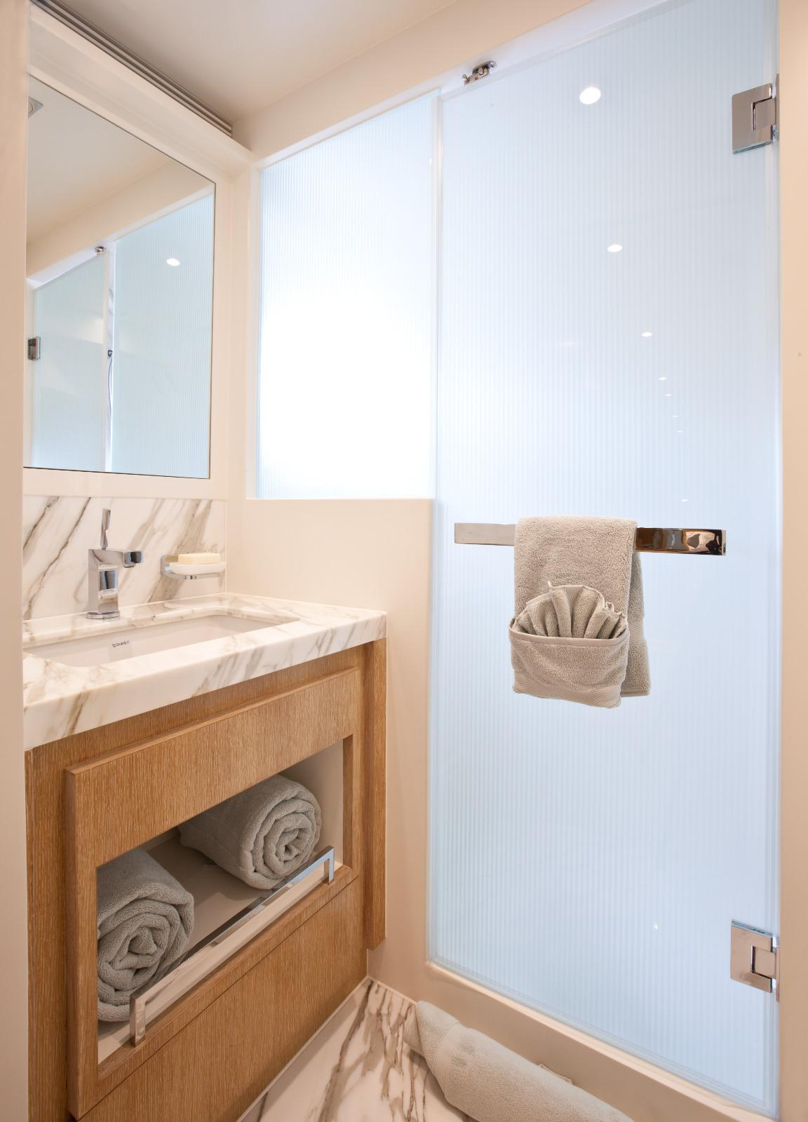 Manufacturer Provided Image: Port Guest Bath