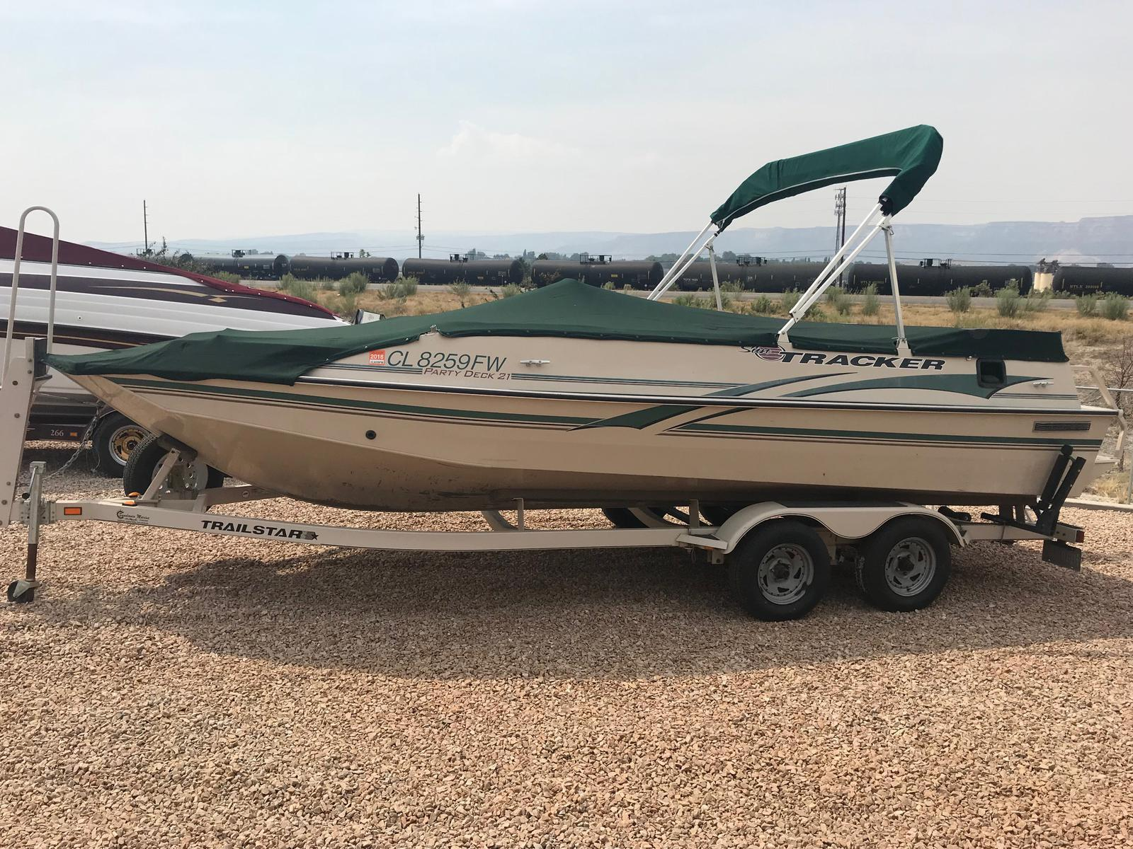 2002 SUN TRACKER PARTY DECK 21 for sale